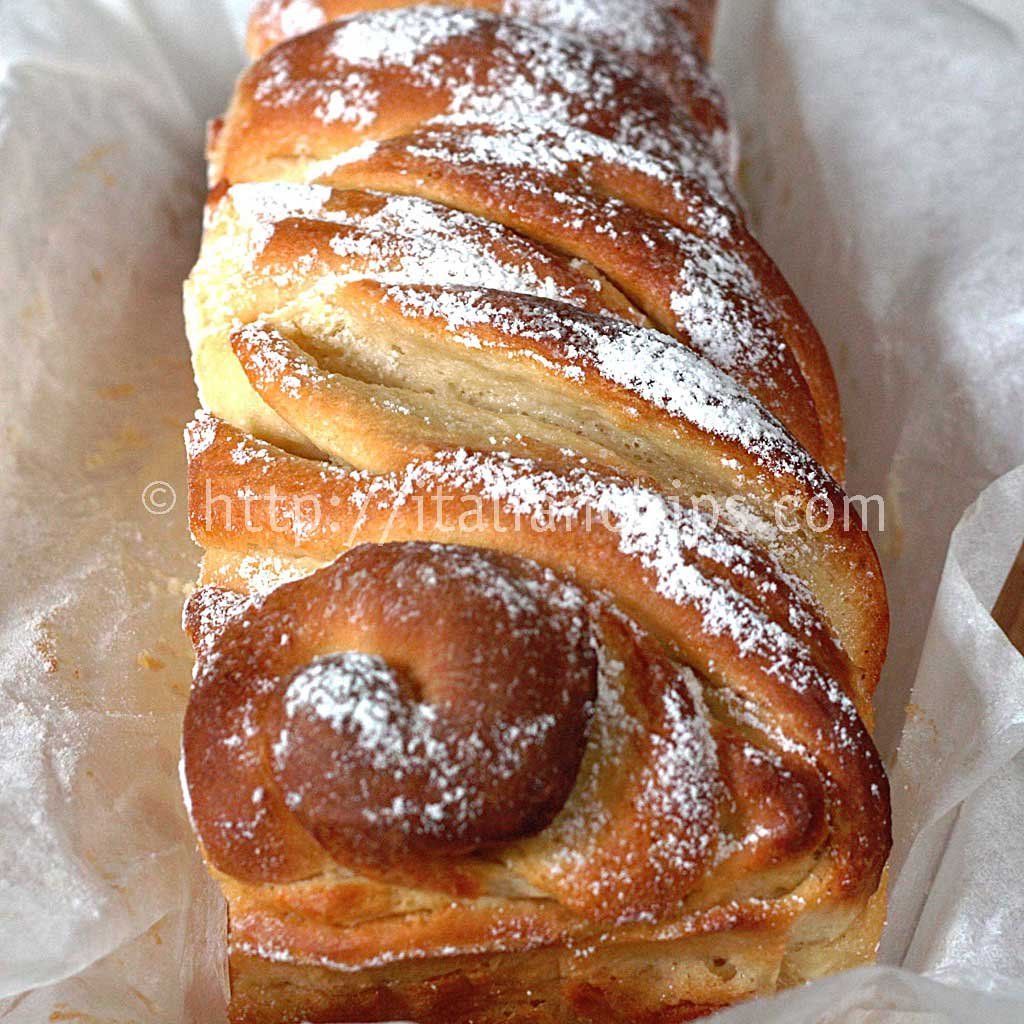 A delicious & comforting sweet bread recipe for breakfast