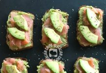 tartine avocado e salmone