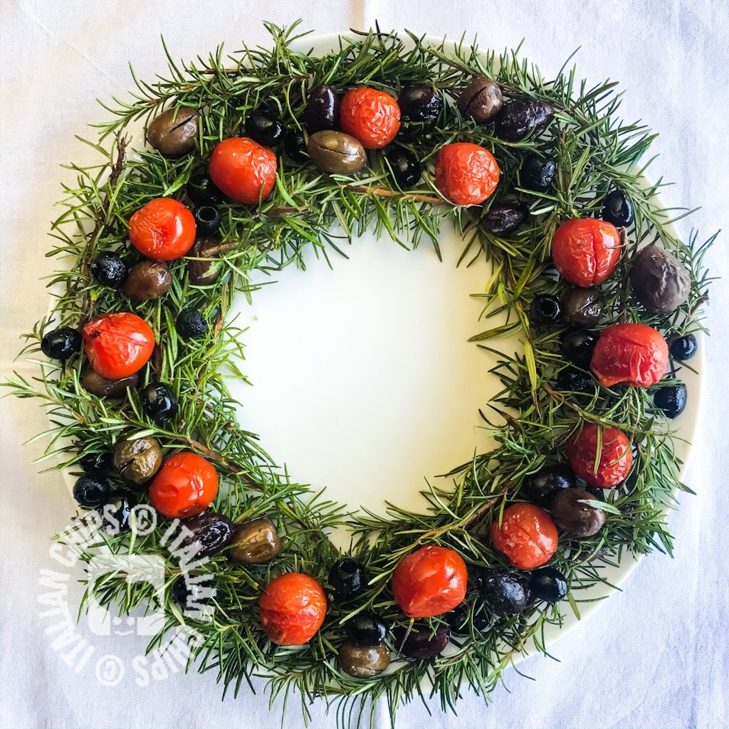 Tomatoes and olives wreath